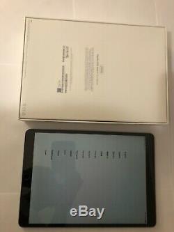 Apple IPad Pro (2nd Generation) 10.5 256GB Wi-Fi + Cellular Unlocked Bundle