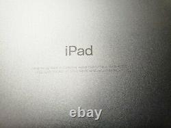 Apple iPad 5th Gen 2017 32GB, Wi-Fi + Cellular (Unlocked), 9.7 Space Gray