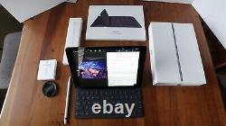 Apple iPad 7th Gen 32GB, Wi-Fi, 10.2 in, Space Gray Original Box w accessories