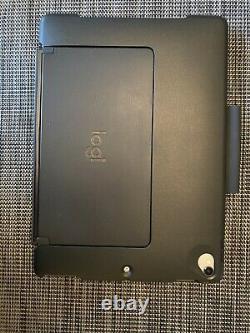 Apple iPad Pro 10.5 64GB, Wi-Fi, Space Gray Bundle Logitech Slim Combo Keyboard