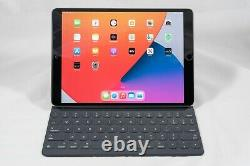Apple iPad Pro 10.5 with Smart Keyboard, Case, Charger 2017 Wifi 64GB Space Gray