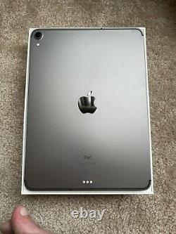 Apple iPad Pro 1st Gen. 256GB, Wi-Fi + 4G (Verizon), 11 in Space Gray + More
