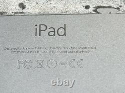 Apple iPad Pro 1st Gen. 32GB, Wi-Fi, 9.7 in Space Gray (Apple ID Locked)