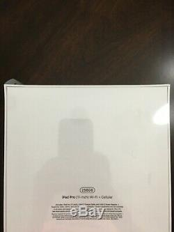 Apple iPad Pro (3rd Gen) 11 inch, 256GB, Wi-Fi+Cellular(Unlocked), Space Gray