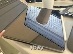 IPad Pro 2021 (M1) 11 Space Gray 2TB WiFi Bundle With Magic Keyboard/Trackpad