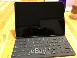 Unlocked Space Gray iPad Pro 10.5 64GB Cellular Apple Pencil, Keyboard, Sleeve